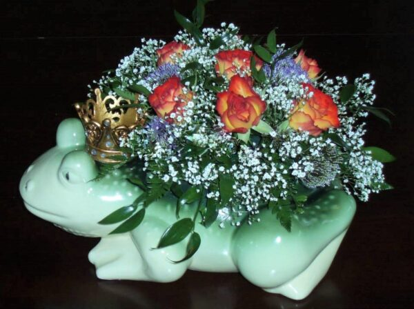 цветы, букет, царевна-лягушка, лягушка в короне
